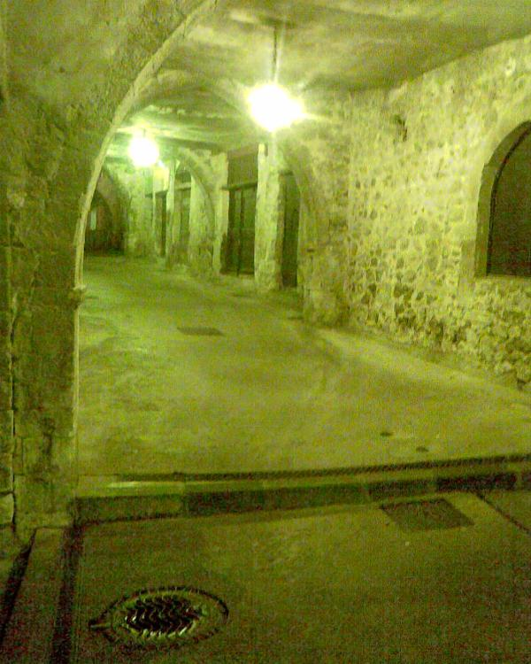Rue Obscure in Old Town.... 13 th century