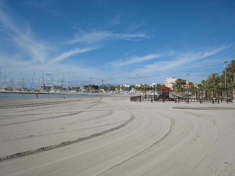 The Beautiful and Famous Mar Menor Beaches that stretch for Miles !
