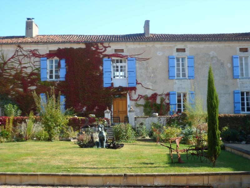 Maison de Maitre from the courtyard