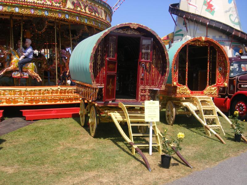 Gypsy caravans, Merry go rounds, molto di più al Cornwall Show di inizio giugno, un tempo fantastico per visitarci