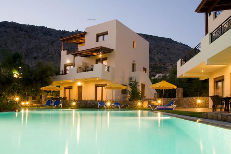 the villas by night