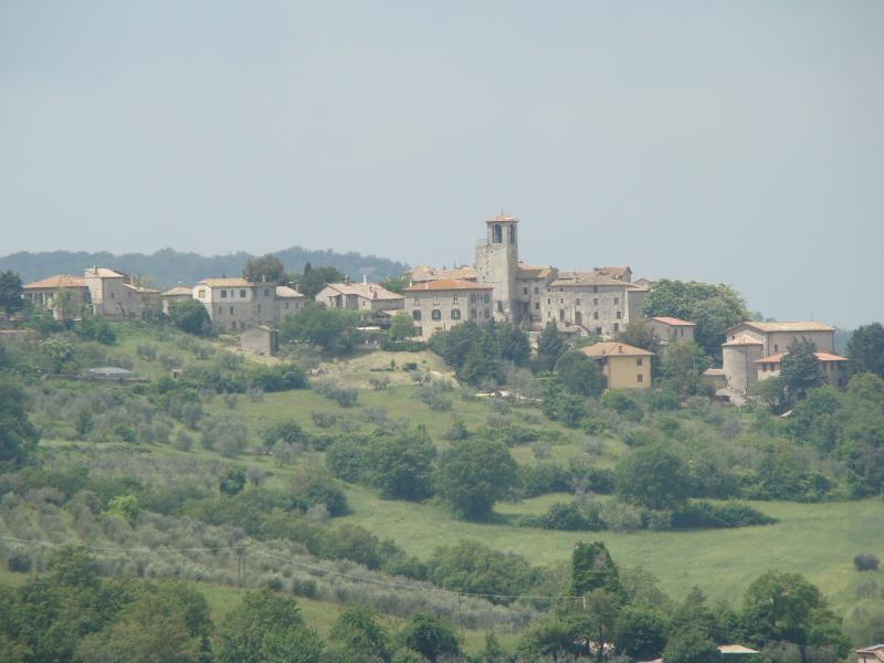 The village of Acqualoreto