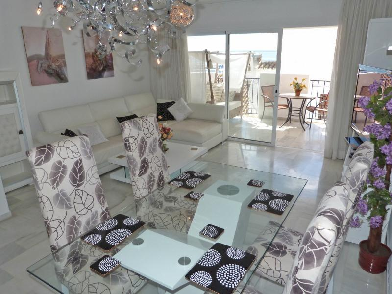 Dining area and lounge towards terrace