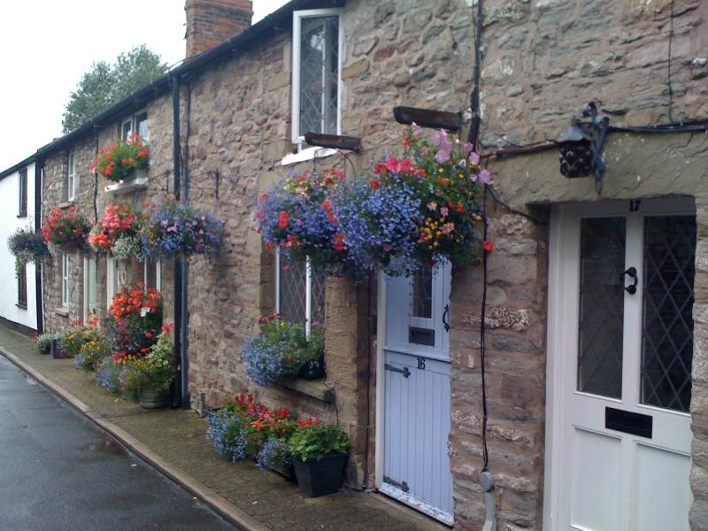 Chancery Cottage in pretty row of stone cottages in centre of Hay on Wye.