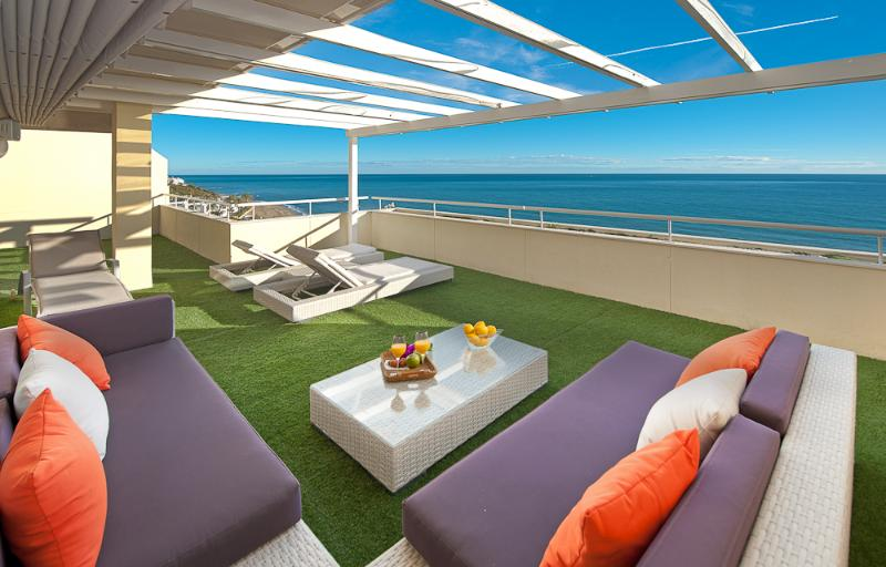 VIP BEACHFRONT PENTHOUSE, holiday rental in Marbella