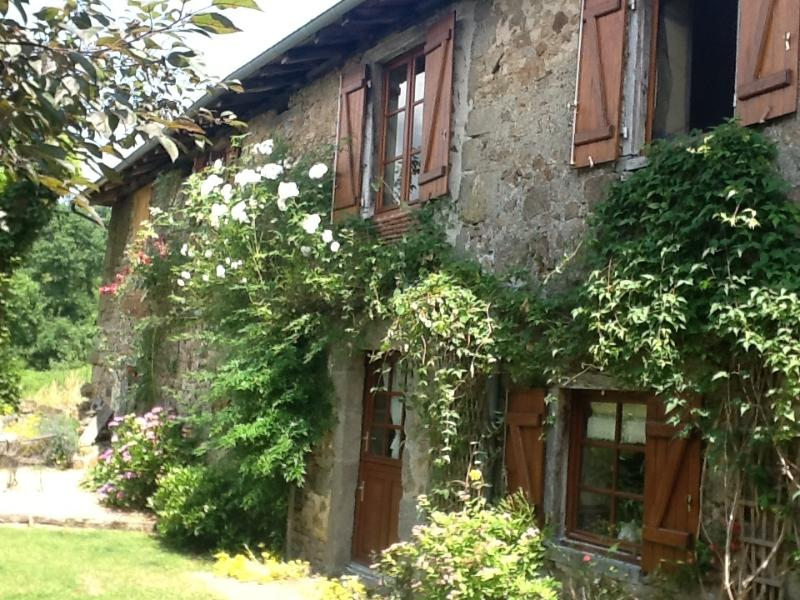 Maison des Roses - side view