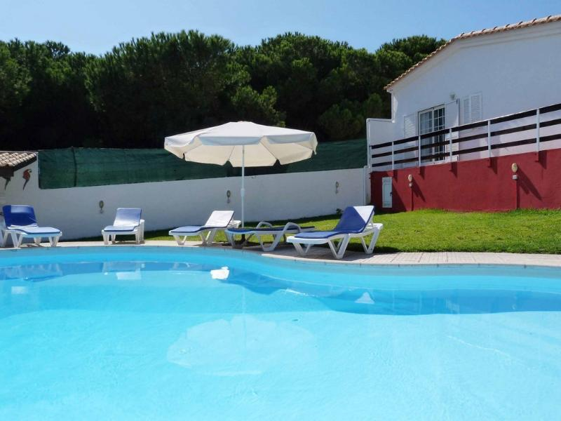 Villa Charneca, holiday rental in Setubal District