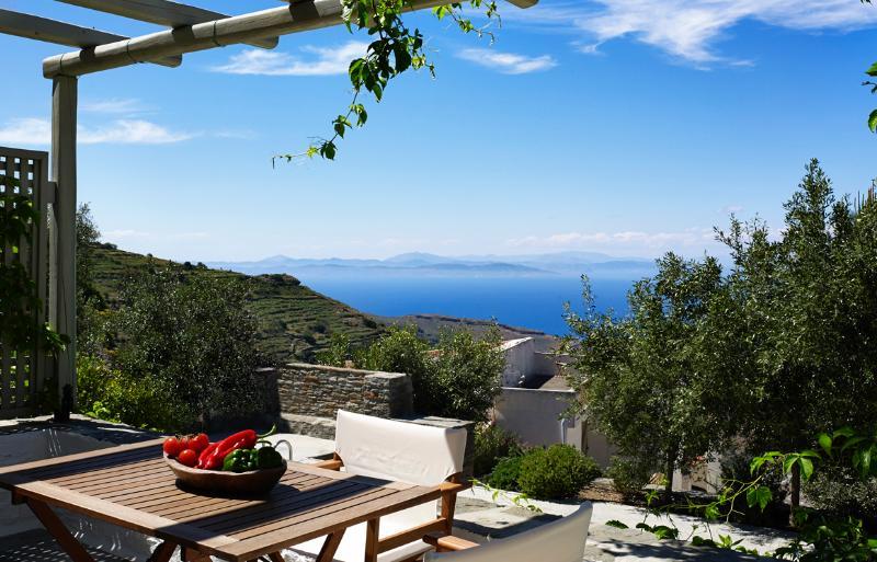 Honeymoon Suite with sea view - Kea Village Suites & Villa, holiday rental in Kea