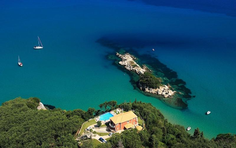 ST.NICHOLAS BEACH HOUSE,beachfront property ,Heated pool,indoor pool!!, vacation rental in Corfu