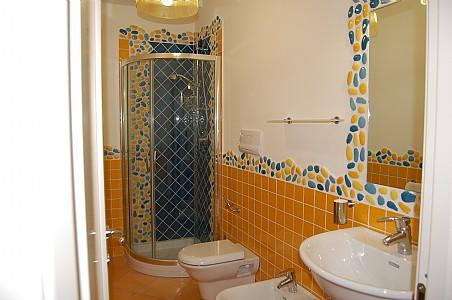 Acciaroli Villa Sleeps 4 with Air Con - 5228682, vacation rental in Pollica