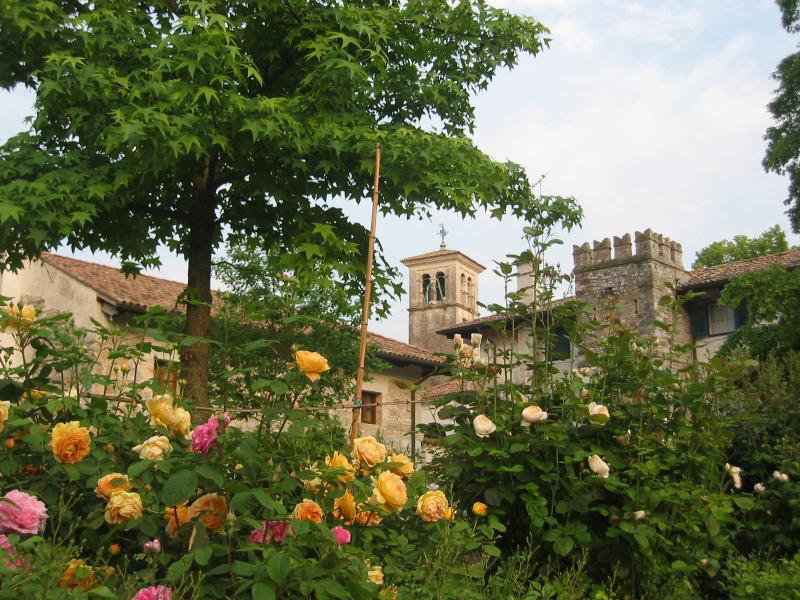 Casa La Vicinia c/o Castle of Strassoldo, on garden side