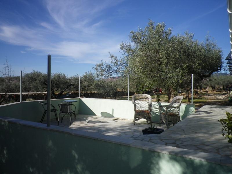 La terrasse d'accès facile