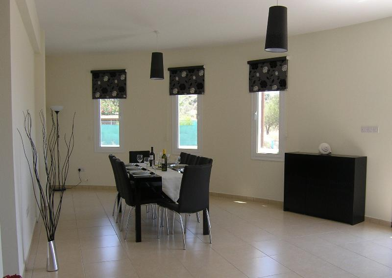 Very spacious dining room with extendable table.