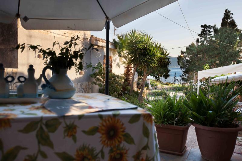 La casa a mare tra Trapani e San Vito Lo Capo, location de vacances à Custonaci