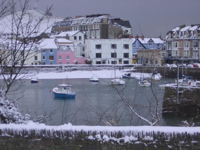 Ilfracombe harbour by winter