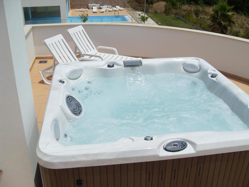 Relax in the Roof top Jacuzzi Hot Tub