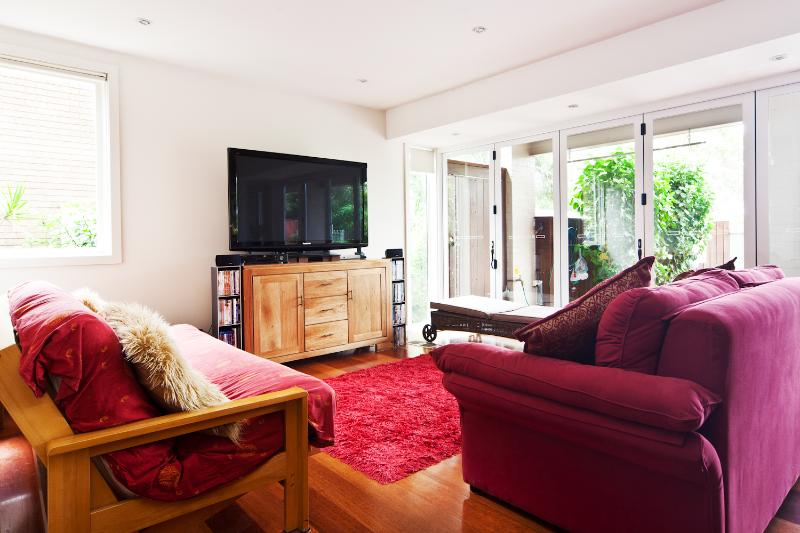 Treetopz 3 bedroom house in pretty location on the Northern Beaches, holiday rental in Bilgola