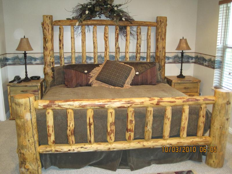 Master Bedroom Timber Lodge King Bed