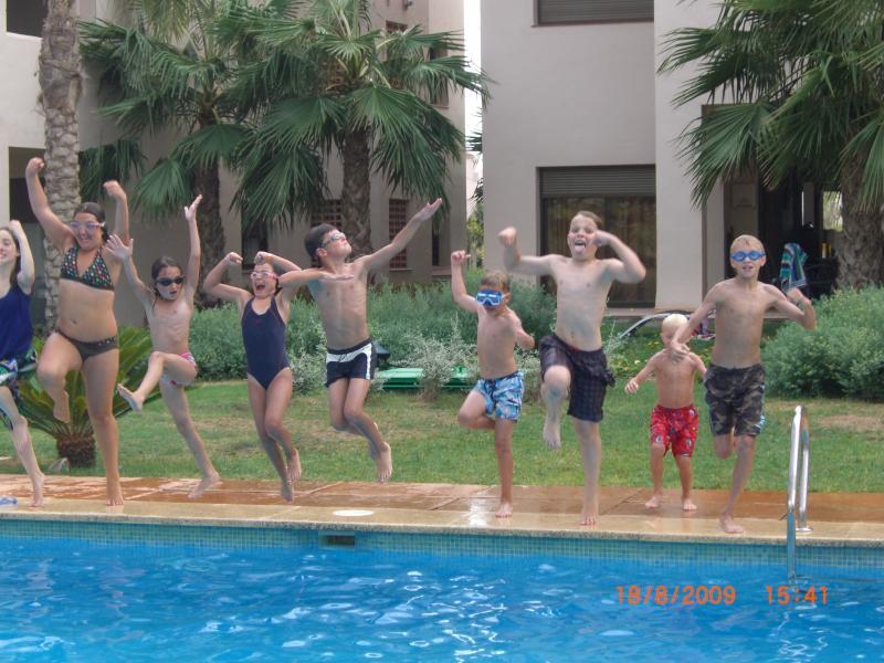 Amusement et jeux à la piscine