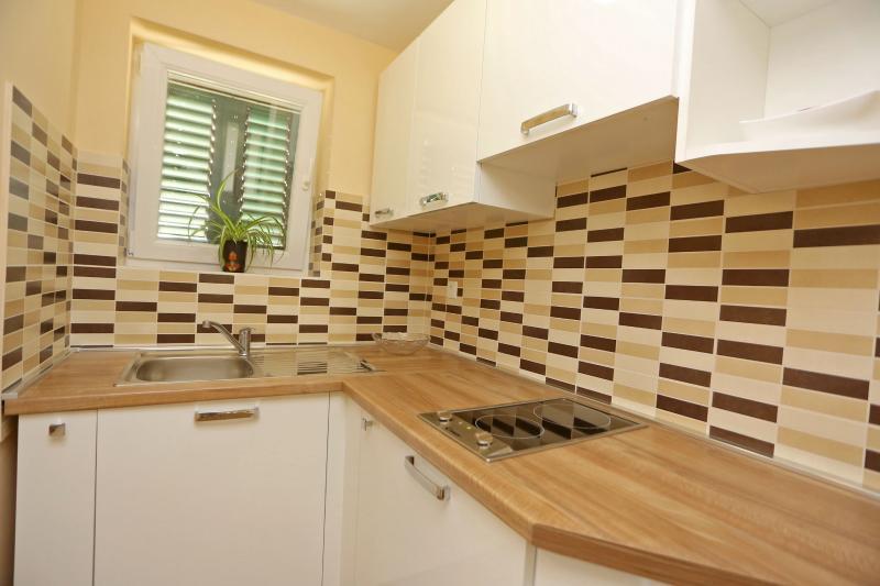 Apartments Jure, vakantiewoning in Nin