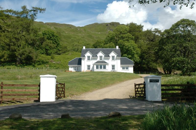 Entrance to Fearnach Bay House