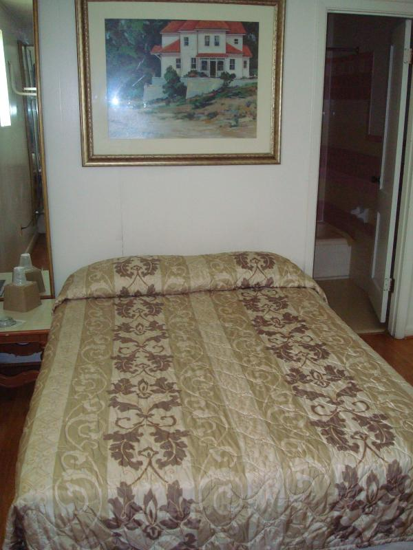 Empress hotel 2 updated 2019 1 bedroom apartment in new - One bedroom apartments in new orleans ...