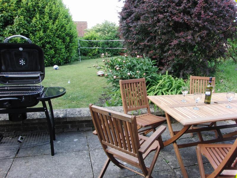 Good sized private garden with BBQ & Furniture