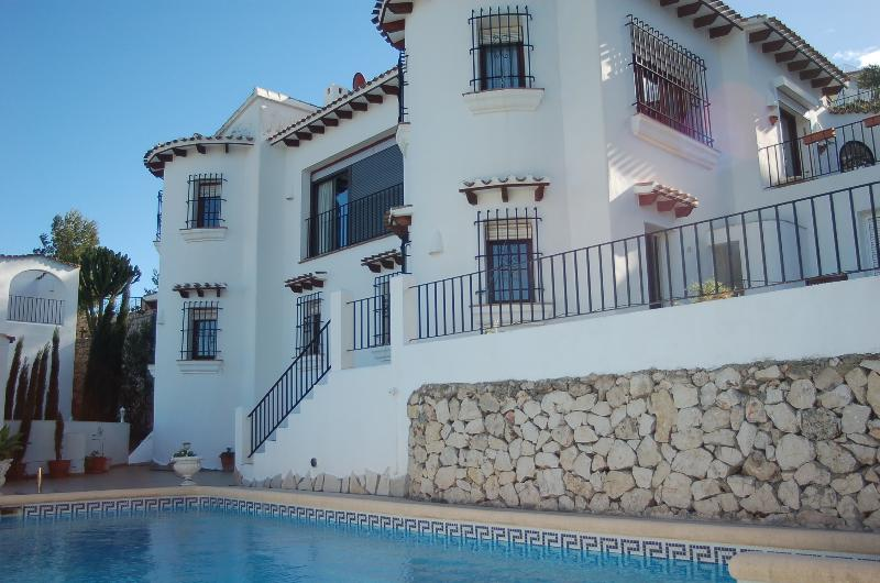 The Two Towers sun in Summer, Winter sun., vacation rental in Denia