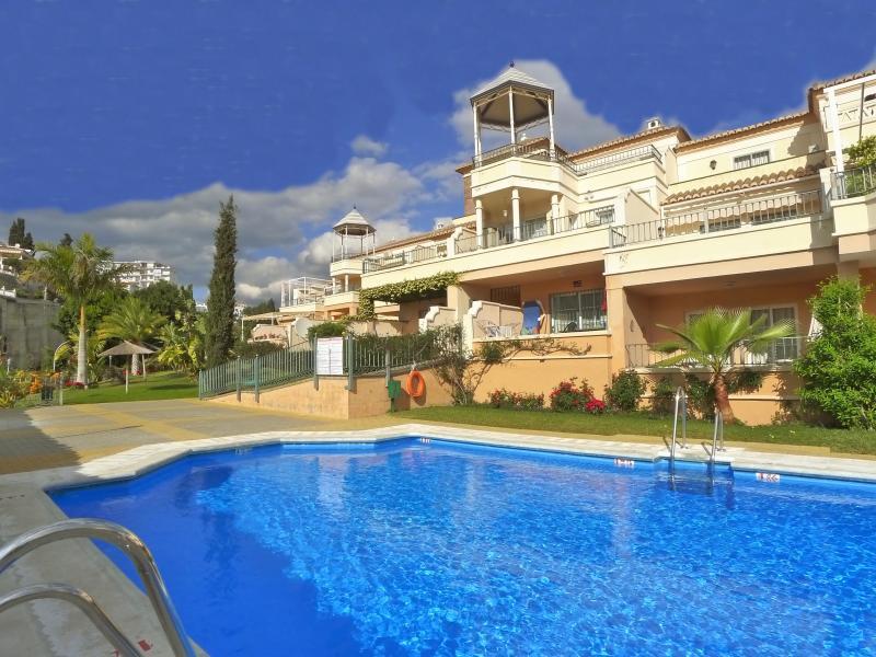 Swimming pool & apartments