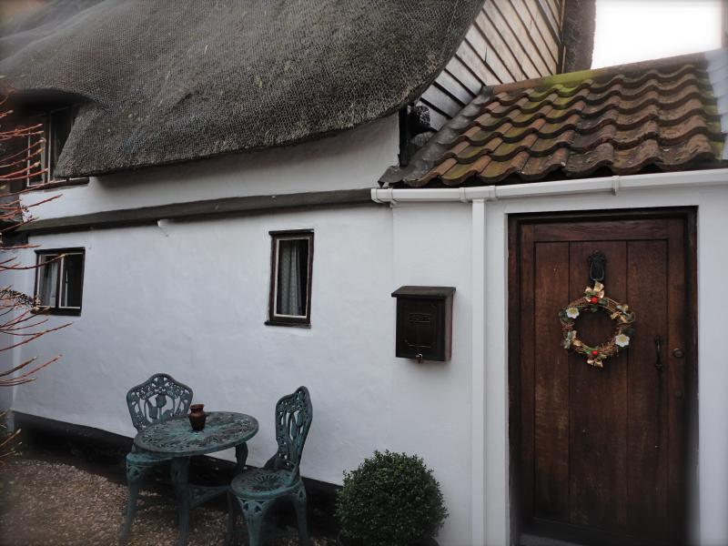 Honeyway Cottage Thatched roof. Property built around 1650