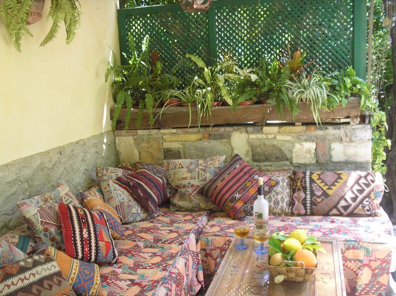 posti a sedere di angolo accogliente patio