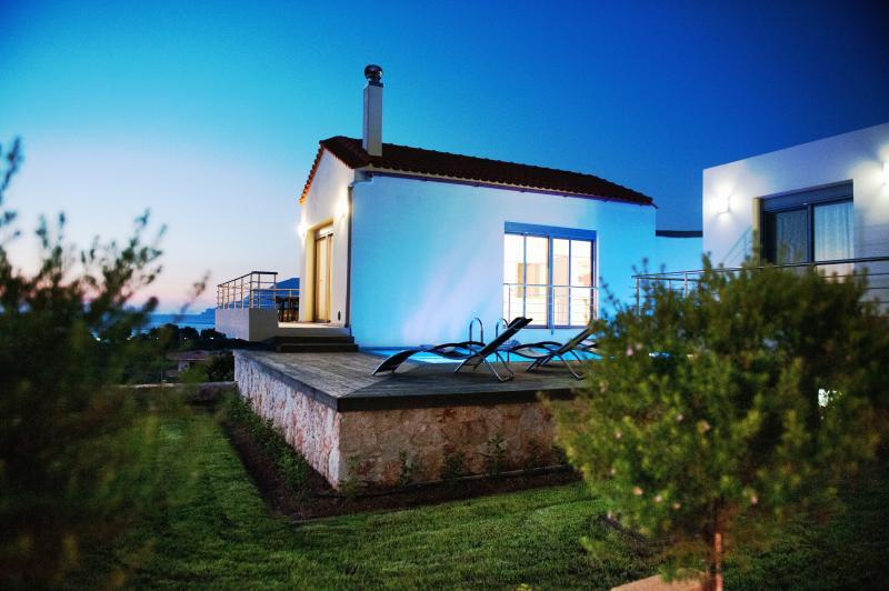 Night view of the villa....