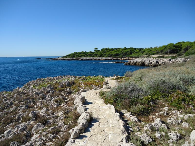 Enjoy the Cap d'Antibes walk
