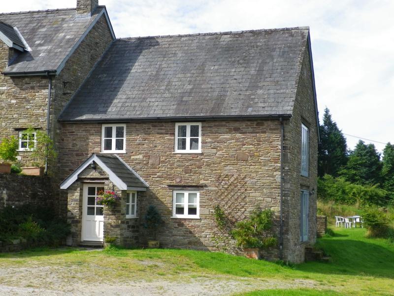 Glyn Farm Granary, Ferienwohnung in Hay-on-Wye