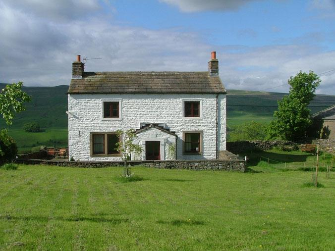 CUBBLE HEAD, a beautiful 18th c. cottage with panoramic views, holiday rental in Raydale