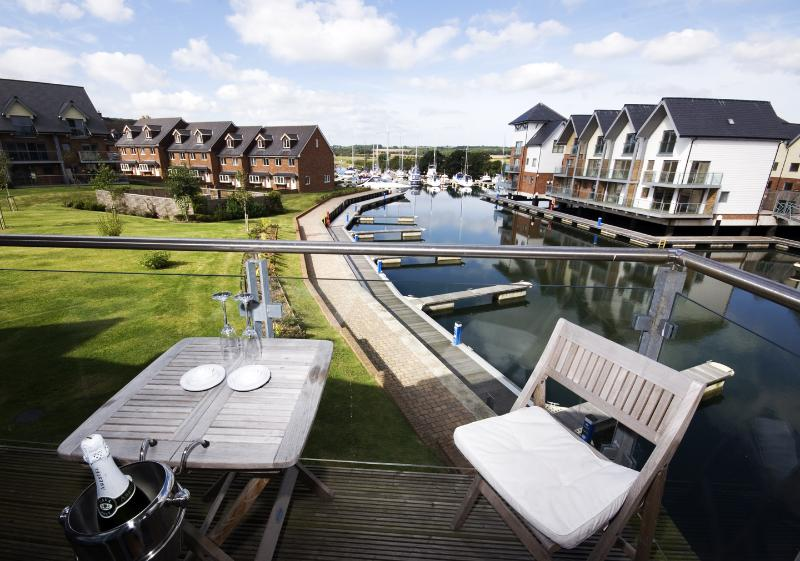 Al fresco dining on the outside balconies overlooking the marina.