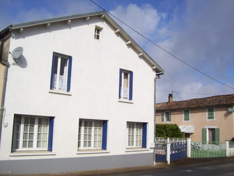 Les Patidoux House in Deux Sevres, holiday rental in Messe