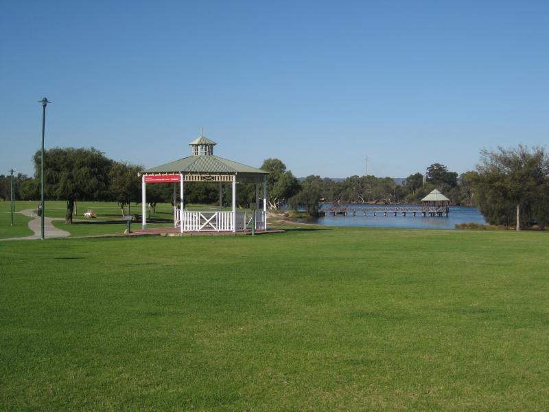 Swan River At Bayswater