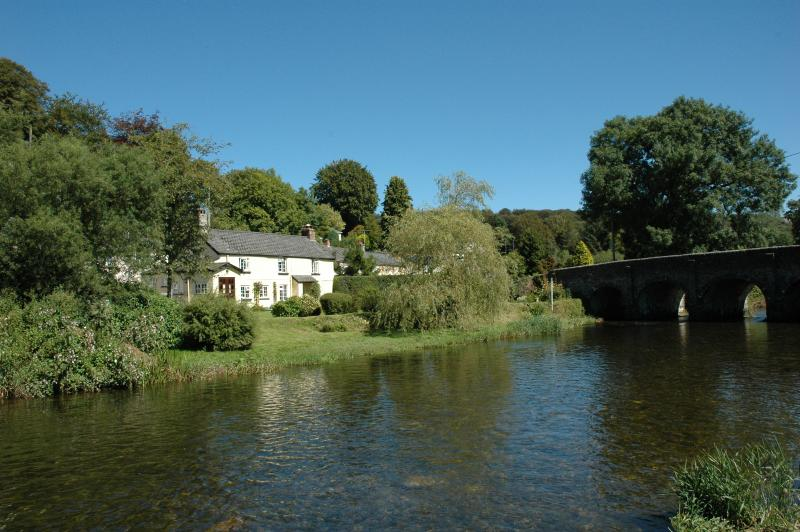 A romantic cosy cottage situated beside the beautiful River Barle