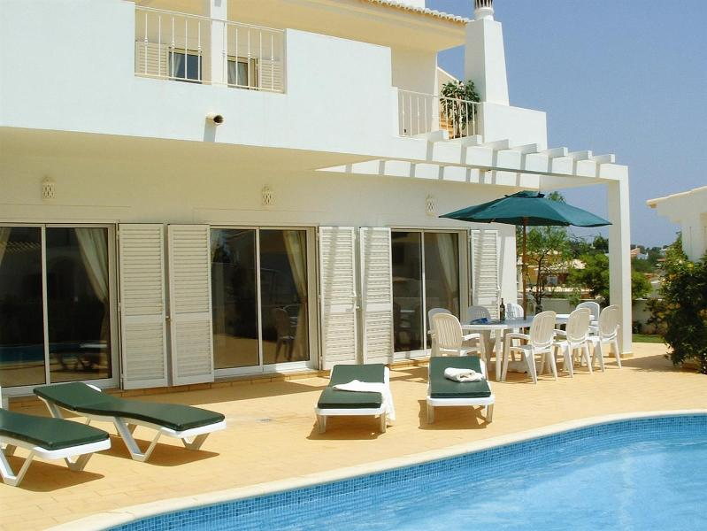 Modern detached private villa in an ideal location close to the beach, marina and the town centre