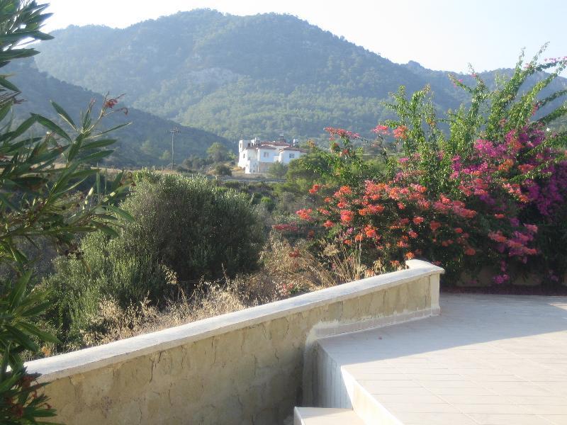 Stunning Views of the Besparmark Kyrenia Range