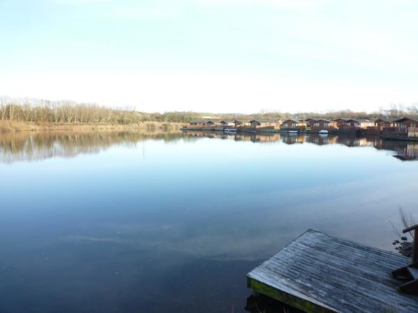 Runners Retreat Lodge,veiw from lake decking wonderfull