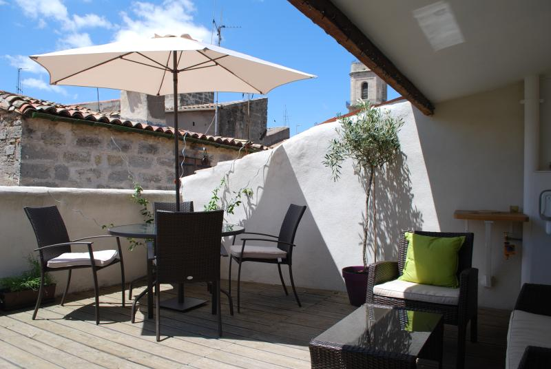 The sunny terrace at Rue Capitaine David