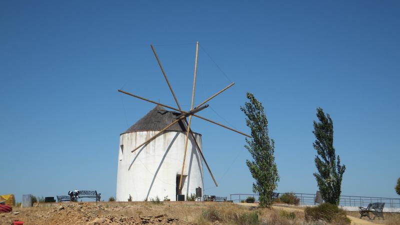 Nearby Windmills