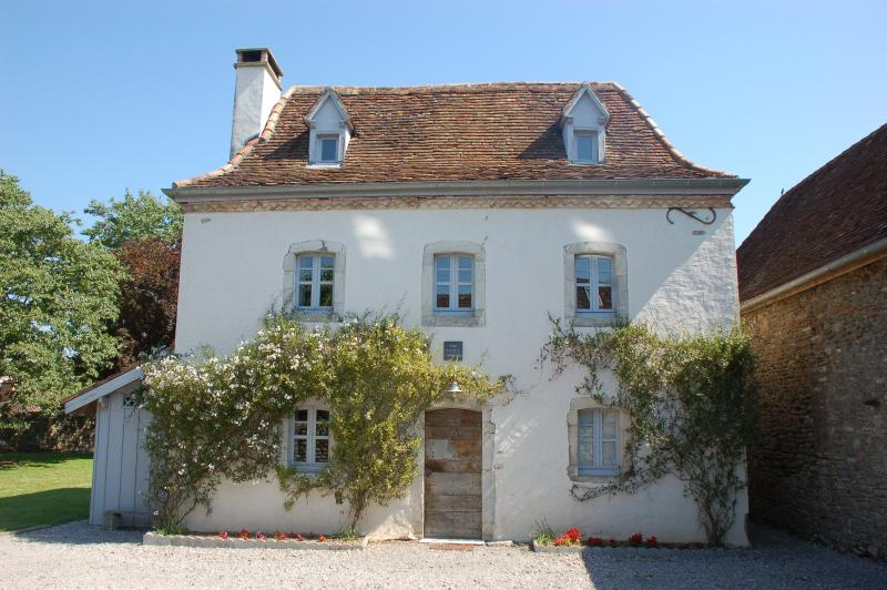 Maysonnave- The Little House in Camu. A delightful, lovingly renovated 17th Century farm house