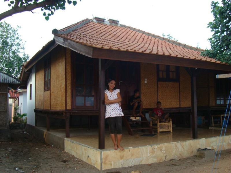 House for rent (until 5 people), front of the beach