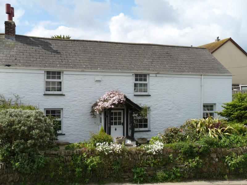 Waylands Cottage in Crantock