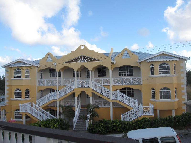 A Contemporary Apartment Building., holiday rental in Silver Sands