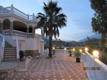 Beautiful Villa in Puerto Banus Marbella, Swimmingpool, Golf, vacation rental in Marbella