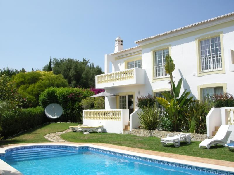 Praia da Luz Apartments, holiday rental in Espiche